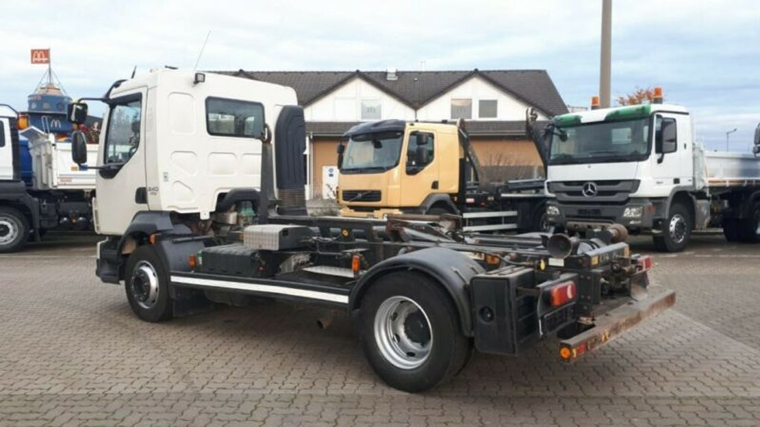 container truck Volvo FL 240 Abrollkipper Meiller City-Lift