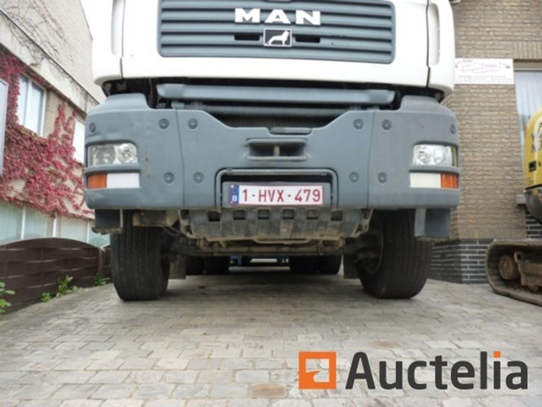 container truck MAN D20 2008
