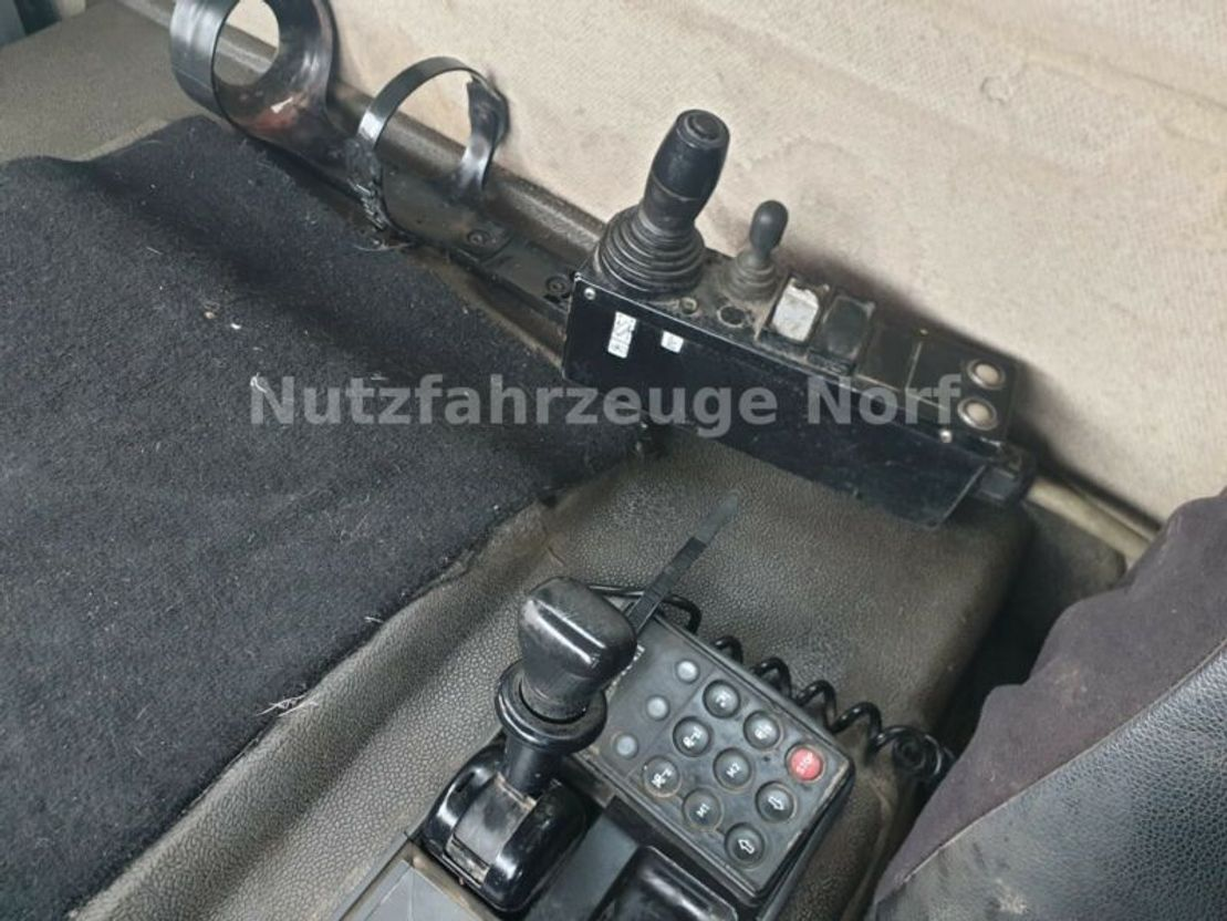 container truck Renault 370dci