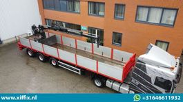 flatbed semi trailer Floor 3-ass. Steenoplegger met HIAB 130F2 Kraan 2007