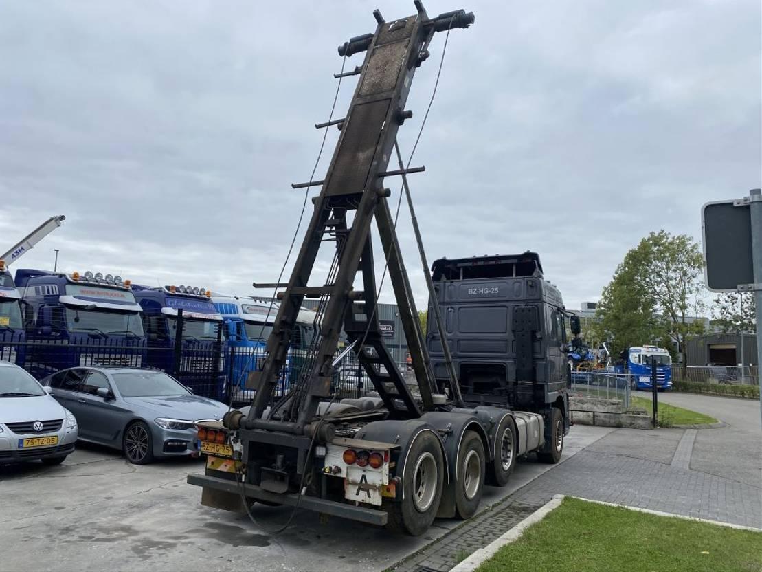 container truck DAF FAK XF105-460 8x2 met 30 ton kabel 2011