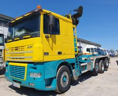 container truck DAF XF430 - 8x2 - With EPSILON Crane - 2 Directional Axles 2003