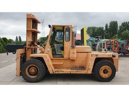 forklift Clark 15 ton diesel with low hours