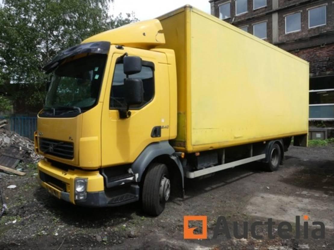 closed box truck > 7.5 t Volvo U/51376 2004