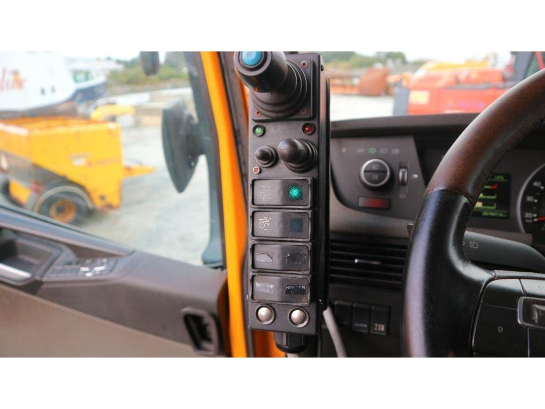 container truck Volvo FH 540 2013