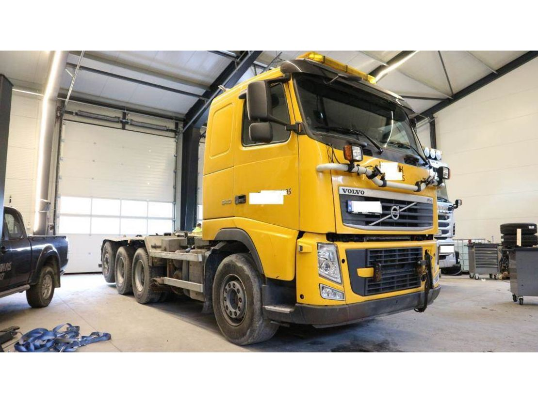 container truck Volvo FH 540 2012