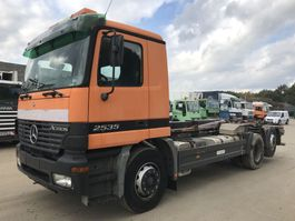 container truck Mercedes-Benz Actros 2535 6X2 **HOOKLIFT-ABROLIPPER** 2002