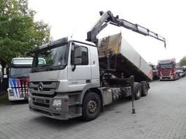 tipper truck > 7.5 t Mercedes-Benz ACTROS 2544 6X2 Kipper mit Kran Palfinger 17502 2010