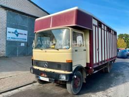 Viehtransporter Mercedes-Benz LP 913 Pferdetransporter 813
