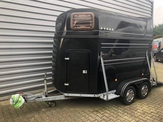 reboque para automóvel para transporte de cavalos Heja Heja 3000 vijf sterren 2-paards trailer XL 2004