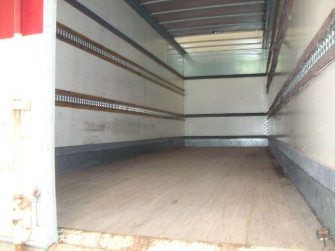 closed box truck > 7.5 t Renault RENAULT 450 DXI 6X4 MANUAL GEARBOX 6X4 2009