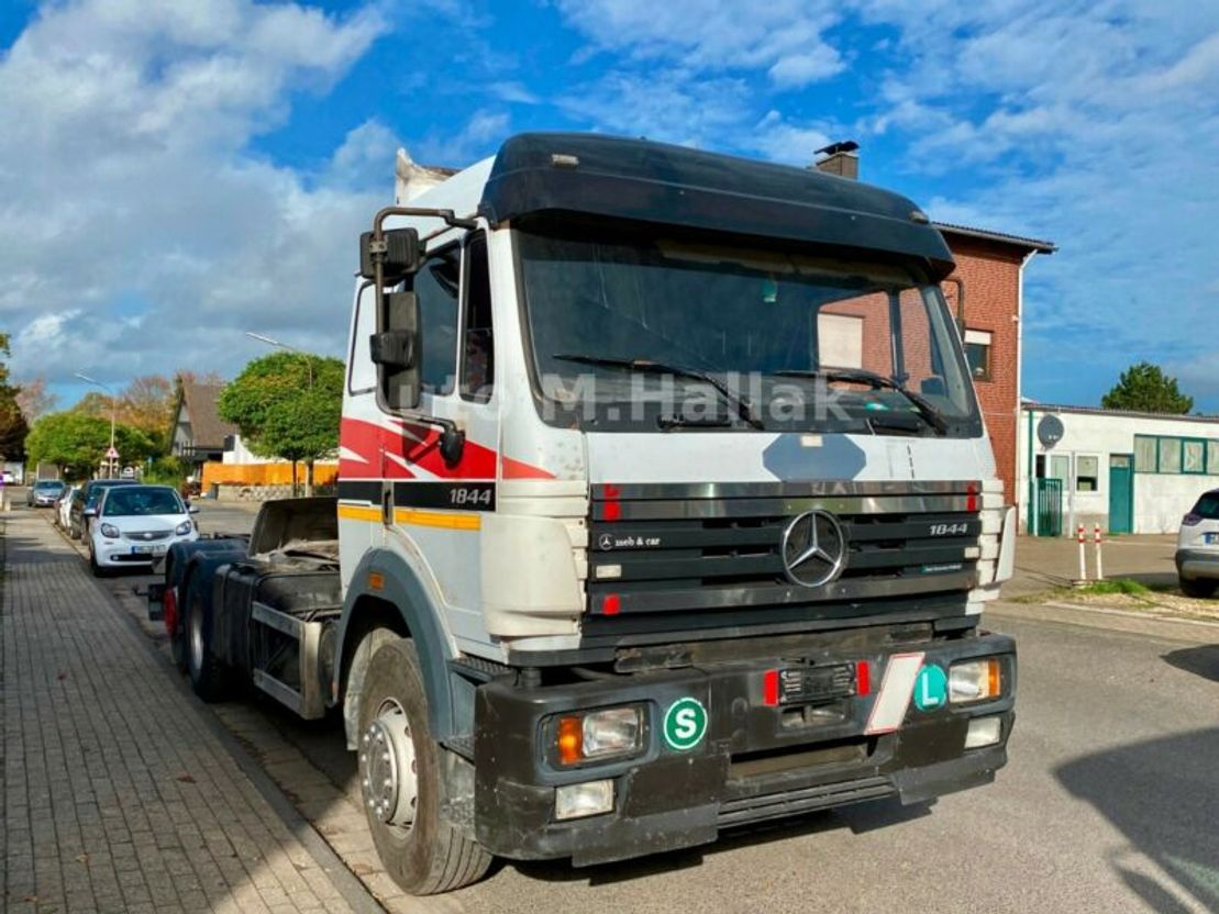 Fahrgestell LKW Mercedes-Benz SK 2544 LS 6x2 Chassi EPS Blatt/Luft