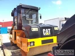 road compactor Caterpillar CB534C 2000