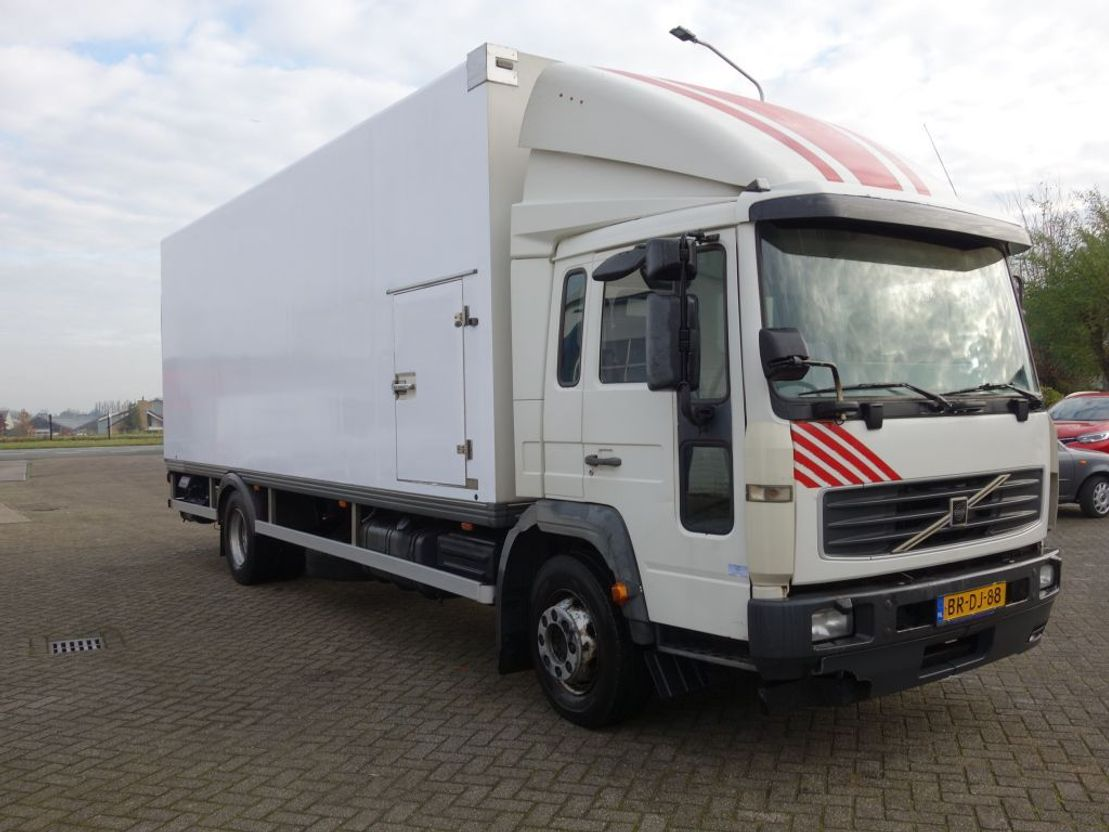 closed box truck > 7.5 t Volvo FL612 STEEL SPRINGS 2005