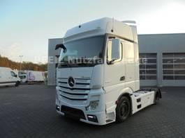 mega-volume tractorhead Mercedes-Benz Actros 18-45 Giga SPace- RETARDER- XENON- 2Tanks 2014