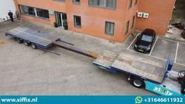 semi lowloader semi trailer Nooteboom 3-ass. Uitschuifbare semi dieplader met kraanspoor // 3x gestuurd 2000