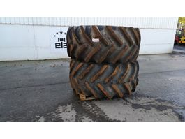 Wheels- with tire set truck part Goodyear 30.5 R32