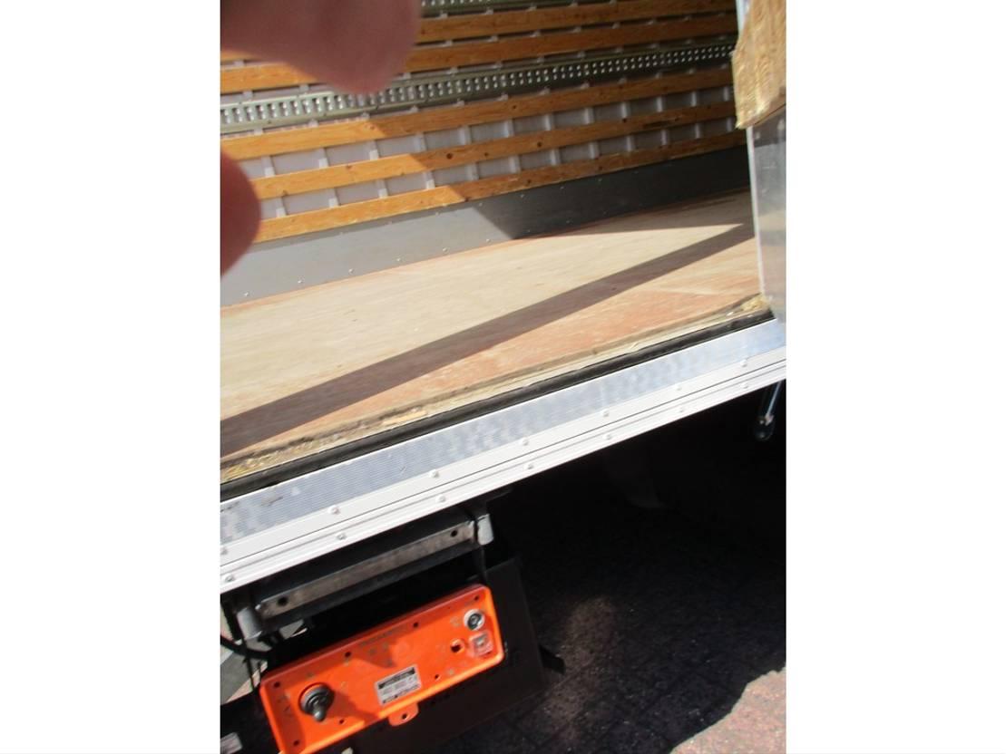 closed box truck > 7.5 t MAN TGL 8.180 Gesloten bak met klep Euro 6 2014