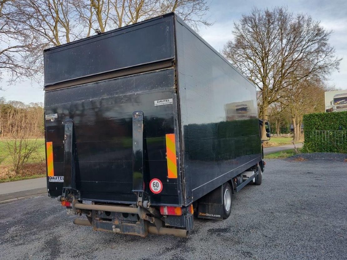 closed box truck > 7.5 t MAN TGL 8.150 2008