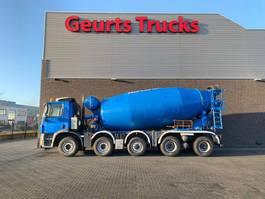concrete mixer truck Ginaf X 5250 TS 10X4 WISSELSYSTEEM MIXER + KIPPER/TIPPER 2010
