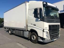 closed box truck > 7.5 t Volvo FH13 4x2 2018