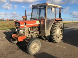 Landwirtschaftlicher Traktor Massey Ferguson 168 1975