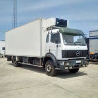 refrigerated truck Mercedes-Benz 1827 19 ton retarder on springs left hand drive. 1991