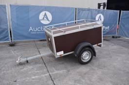 closed box car trailer /