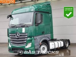 mega-volume tractorhead Mercedes-Benz Actros 1836 LS 4X2 Mega Retarder 2x Tanks StreamSpace Euro 6 2013