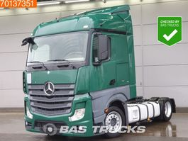 mega-volume tractorhead Mercedes-Benz Actros 1836 LS 4X2 Mega Retarder 2x Tanks StreamSpace Euro 6 2014