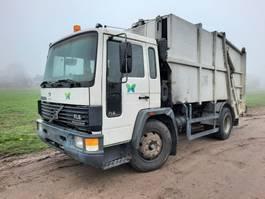 garbage truck Volvo FL6 15 4X2 EURO 2 GARBAGE TRUCK 1996 1996