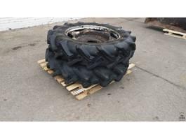 Räder- mit Reifensatz LKW-Teil Pirelli 12.4 R32