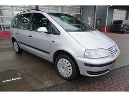 mpv car Volkswagen Sharan 1.9 TDI Trendline 7 Persoons Climate/Cruise/Trekhaak 2006