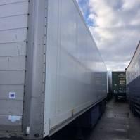 closed box semi trailer Schmitz Cargobull SKO 24  Laadklep 2005