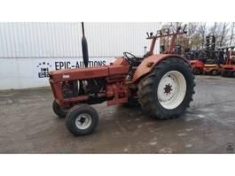 Landwirtschaftlicher Traktor International 844