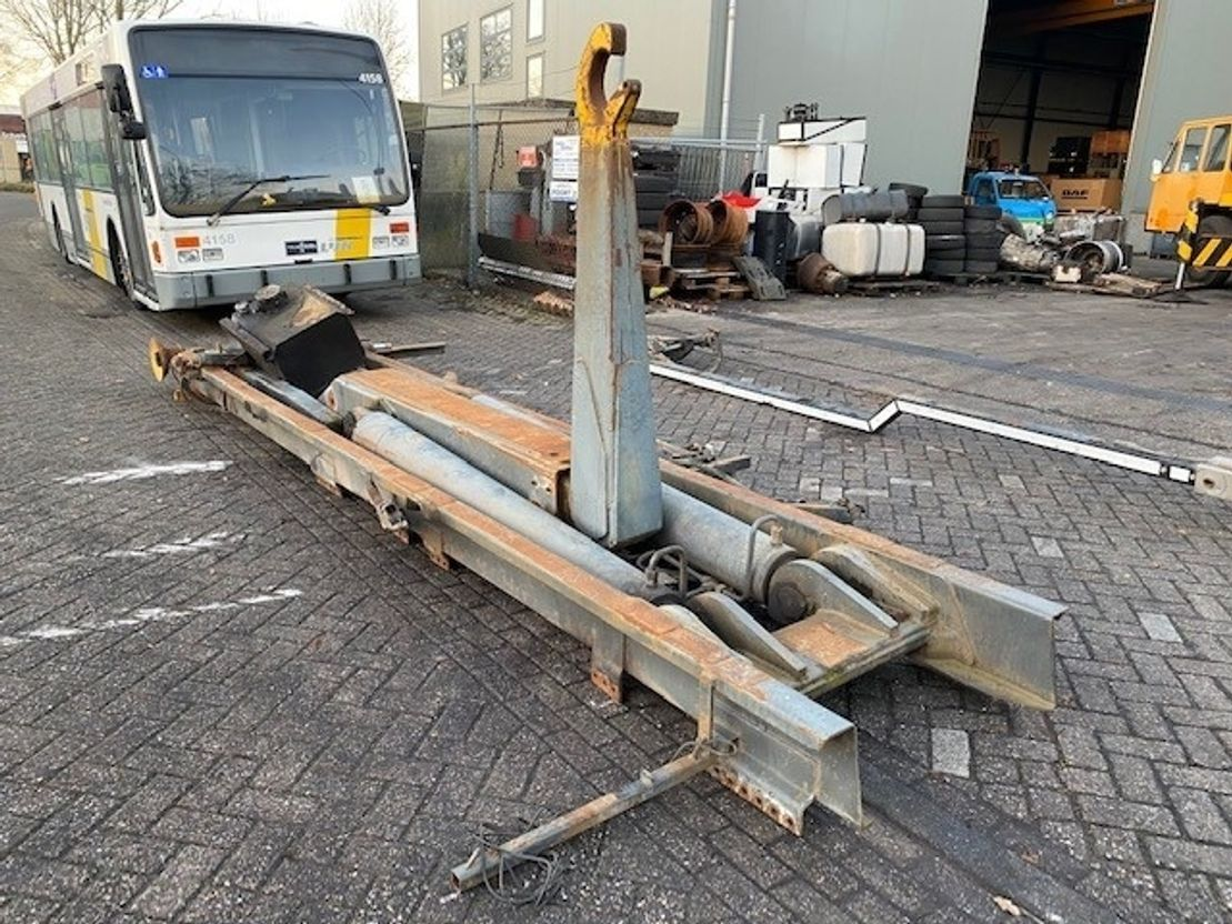 Container system truck part AJK HAAKARM SYSTEEM 25 TON 2002