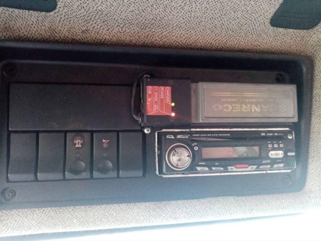 LKW Kipper > 7.5 t Renault premium 260 benne avec Grue palfinger pk8080 1999