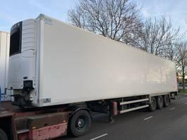 refrigerated semi trailer Fruehauf 3 AS - SAF - DISC BRAKES + CARRIER VECTOR 1850 + LAADKLEP 2011
