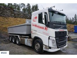 container truck Volvo FH 540 8x4 hook truck with only 66000 km 2018