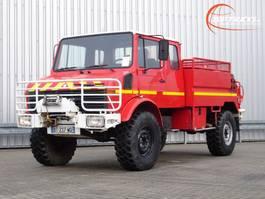fire truck Unimog U1300 1300L 4x4 Unimog (435) Mercedes Benz, Doppelkabine, 2000 ltr. - Expediti... 1988