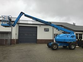 articulated boom lift wheeled JLG 460SJ 2001