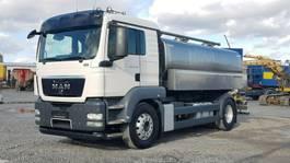 tank truck MAN TGS 18.440 Milchtank Schwarte isoliert 12.000 l