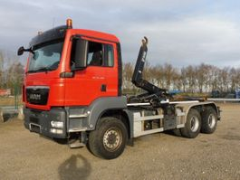 container truck MAN TGS 26.400 - 6x4 - EURO 5 - 296.746 Km - HIAB CONTAINERHAAK - PERFECTE STAAT