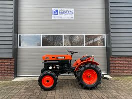 farm tractor Kubota B7000 4WD 15 PK minitractor NIEUWSTAAT