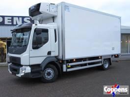 refrigerated truck Volvo FL 250 4x2 Koel/Vries met klep en nachtaansluiting 380V Euro 6 2014
