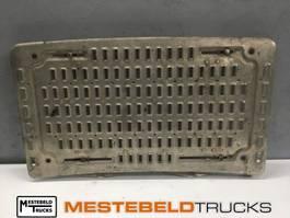 Chassis part truck part DAF Opstapplaat midden 2014