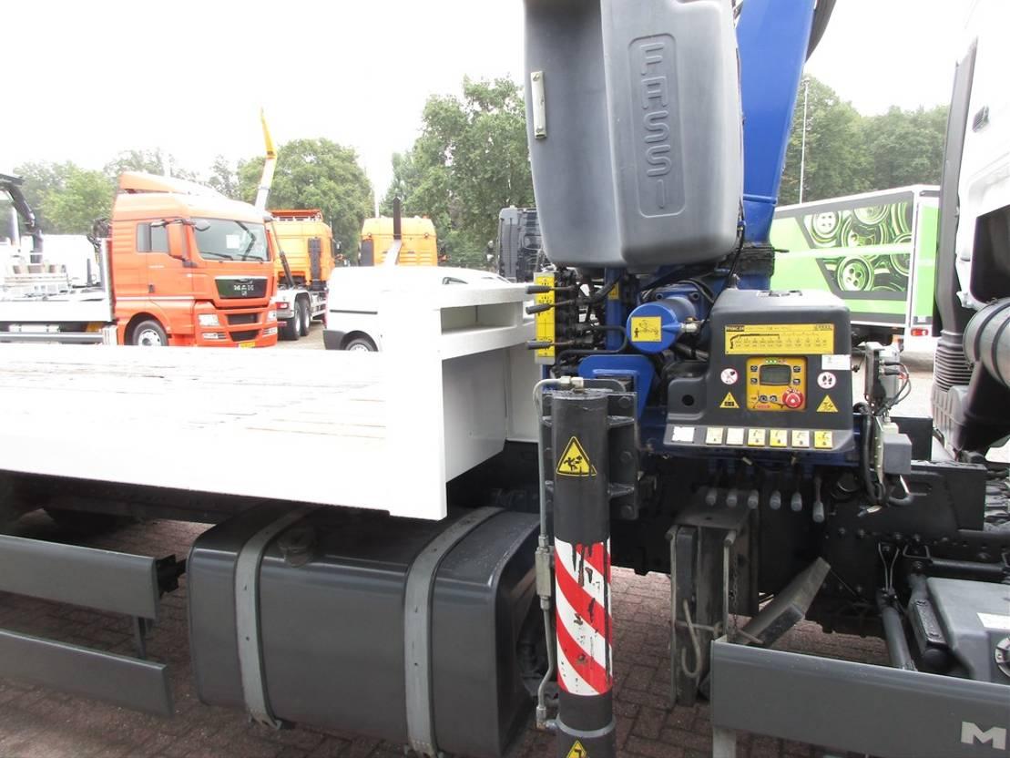 Plattform-LKW MAN TGS 26.360 Platte laadvloer met kraan 6x2 Euro 5 2011