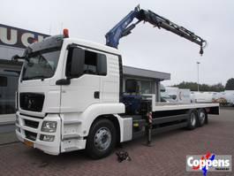 platform truck MAN TGS 26.360 Platte laadvloer met kraan 6x2 Euro 5 2011