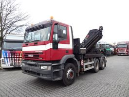 crane truck Iveco EuroTrakker 720E48 6X4 HIAB 422 Montagekran 2007