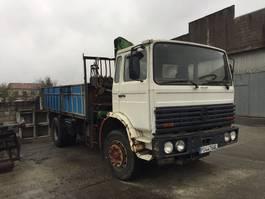 crane truck Renault DG Basculante + grúa 1991